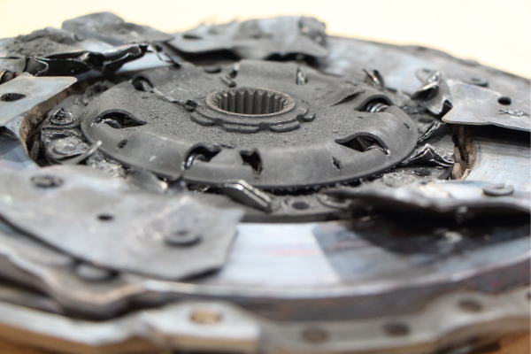 6 Driving Habits That Damage Your Clutch